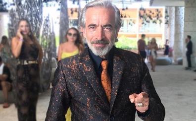 El traje más loco de Imanol Arias: así se interpreta la moda vasca al otro lado el charco