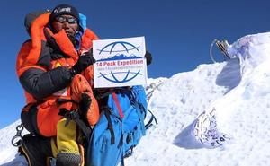 El récord del sherpa nepalí: 23 ascensos al Everest