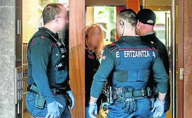 La autopsia revela que la mujer asaltada en Vitoria falleció por un golpe en la cabeza