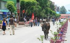 Un mes atrapado en Katmandú cuando Pasaban completó sus 14 ochomiles en 2010