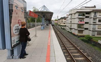 Saca a un hombre de las vías en Getxo: «No podía dejar que el metro le pasara por encima»