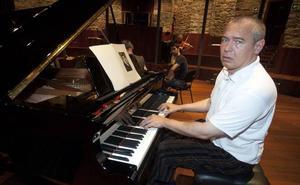 Ivo Pogorelich piano-jotzailearen errezitaldia, ostegunean, Principal Antzokian