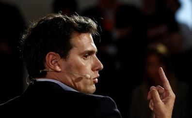 Rivera advierte que si el PSOE gana el 26-M en Navarra se la entregará al nacionalismo