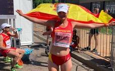 Julia Takacs revienta el récord de España