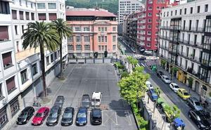 Vecinos se alzan contra el bloque de hasta 7 pisos que el Obispado proyecta en Abando