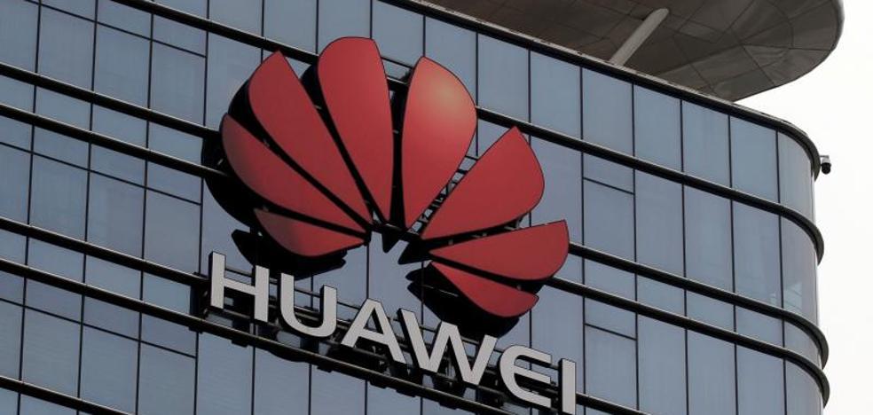 Google rompe con Huawei y dejará a sus móviles sin sus 'apps' ni las actualizaciones de Android
