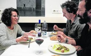 En torno a una mesa con Ana Viñals