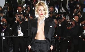 Los 3 'escotazos' de un ángel de Victoria´s Secret en Cannes