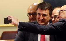 El nacionalismo vasco muestra su cercanía con los presos del 'procés'