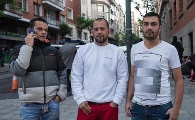 «Esperaré lo que haga falta hasta lograr el asilo, porque en mi país no tenía vida»
