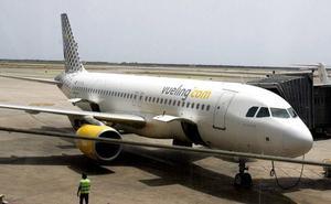 Un avión que se dirigía a Ibiza desde París aterriza en Barcelona por una falsa amenaza de bomba
