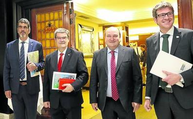 La decisión de EH Bildu de elaborar su propio texto estatutario ahonda la brecha con el PNV