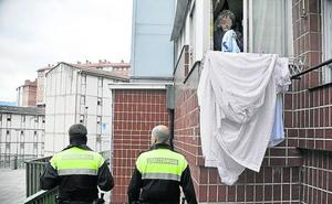Sustituyen en Bilbao a agentes camuflados por patrulleros para proteger a maltratadas