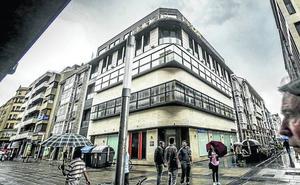 El centro recupera el edificio Ertza para la actividad financiera