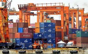 Europa mira de lejos una guerra comercial que le obligará a posicionarse