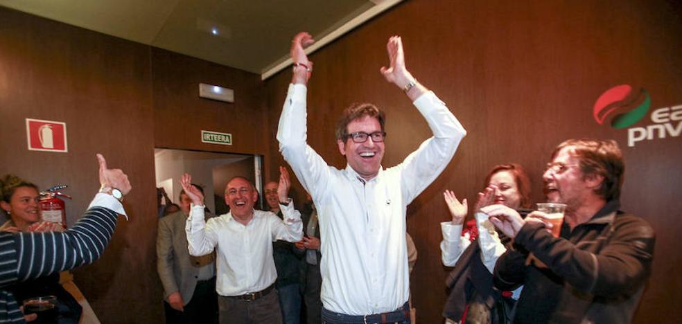 Urtaran devuelve el triunfo al PNV en Vitoria 24 años después