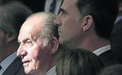 Juan Carlos sale del foco