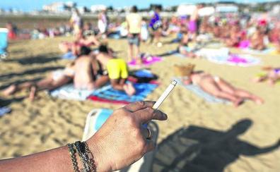 Osakidetza se propone impedir que se fume en las playas y parques públicos