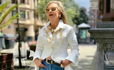 Quince mujeres maduras y quince formas de reinterpretar una camisa blanca