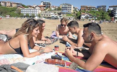 154 socorristas vigilarán las playas de Bizkaia a partir de este sábado