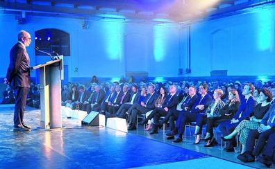 Urkullu reconoce la labor de las empresas vascas por incrementar el empleo fijo