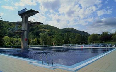 La temporada veraniega de piscinas arrancará en Ayala el 15 de junio