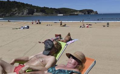 Gorliz, Mendexa y Sopela cobran desde el fin de semana por aparcar en su costa
