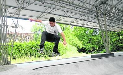 El Ararteko pide que se tomen medidas para evitar molestias por la pista de 'skate' de Zuazo
