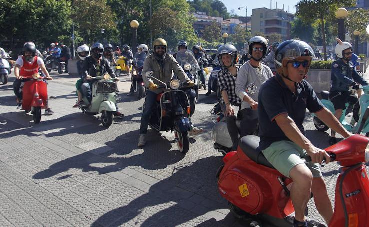 Deusto acoge una concentración de un centenar de motos 'scooter'