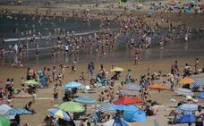 Las playas vizcaínas rozan el lleno en un caluroso sábado a más de 30 grados