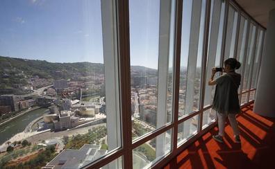 «Desde aquí arriba Bilbao parece una maqueta»