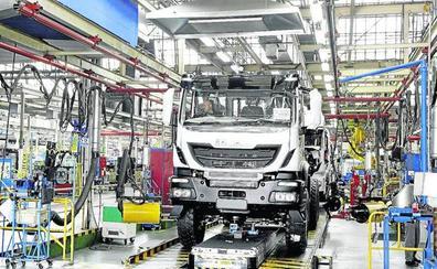 'Pelea' entre los bufetes por hacerse con las 4.000 demandas contra el cártel de los camiones en Euskadi