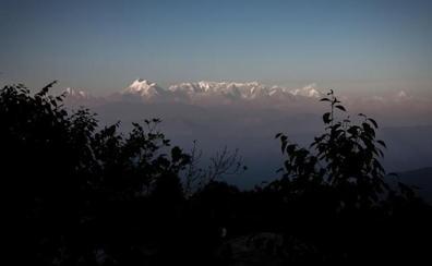 Localizan varios cuerpos durante la búsqueda aérea de montañistas desaparecidos en el Himalaya