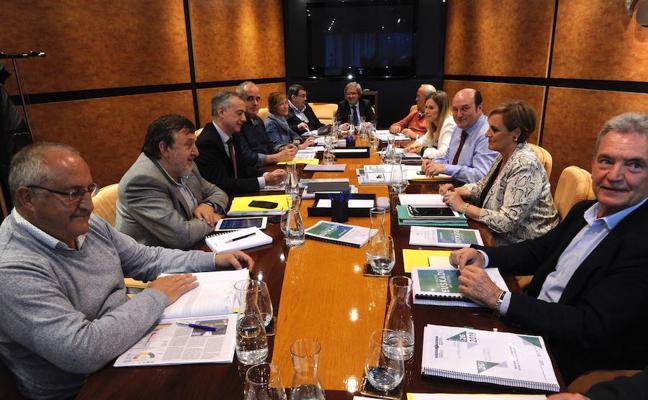 El PNV abre el proceso para cerrar un pacto global con el PSE en Euskadi