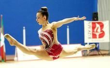 Las gimnastas de Sakoneta brillan ante su público