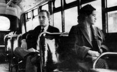 Vitoria recuerda a Rosa Parks con una sala para uso de asociaciones en la estación de autobuses