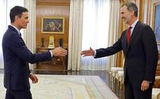 Sánchez asume el encargo de formar gobierno sin aclarar si aceptará el apoyo de Bildu en Navarra