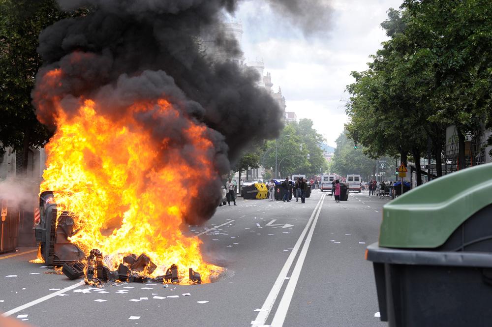 Los incidentes empañan la manifestación del metal en Bilbao