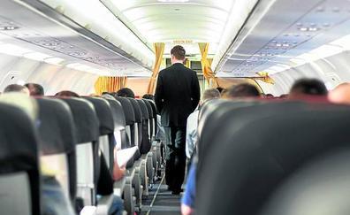 EL CORREO se presenta de incógnito a las pruebas para azafato de Ryanair