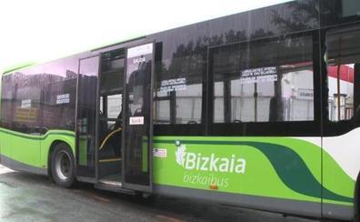 Conductores de autobuses denuncian amenazas y roturas de luna cuando paran delante de una discoteca de Lemoa