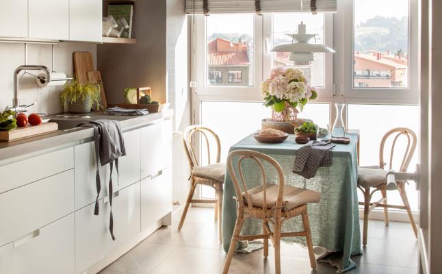 Por qué es preferible que tu cocina sea blanca y cómo decorarla