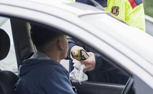 Un kamikaze y 23 positivos por alcohol y drogas en una noche en la A-8 entre Castro y Laredo