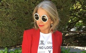 La diseñadora vasca empeñada en dinamitar el poder de los logos de la moda