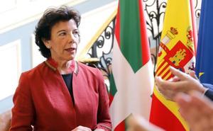 Celaá en Bilbao: «Es responsabilidad de PP y Cs evitar que la investidura se cimente sobre votos independentistas»