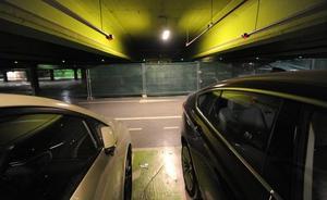 La escasez de plazas de aparcamiento dispara los precios hasta los 70.000 euros en el centro