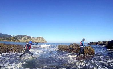 Coasteering en Lea-Artibai, aventura entre agua y rocas