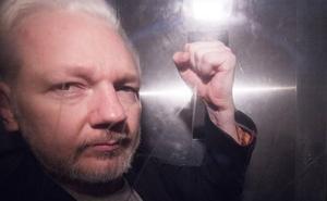 Reino Unido firma la extradición de Julian Assange a EE UU