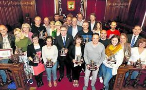 El pleno del Ayuntamiento de Getxo despide la legislatura con mucha emoción