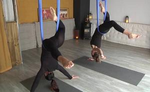 Yoga en suspensión para favorecer la flexibilidad
