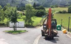 Atxondo repara los daños que las inundaciones causaron hace un año en el vial de Axpe